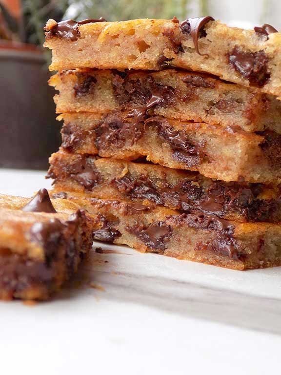 Banana Bread Biscuits with Chocolate