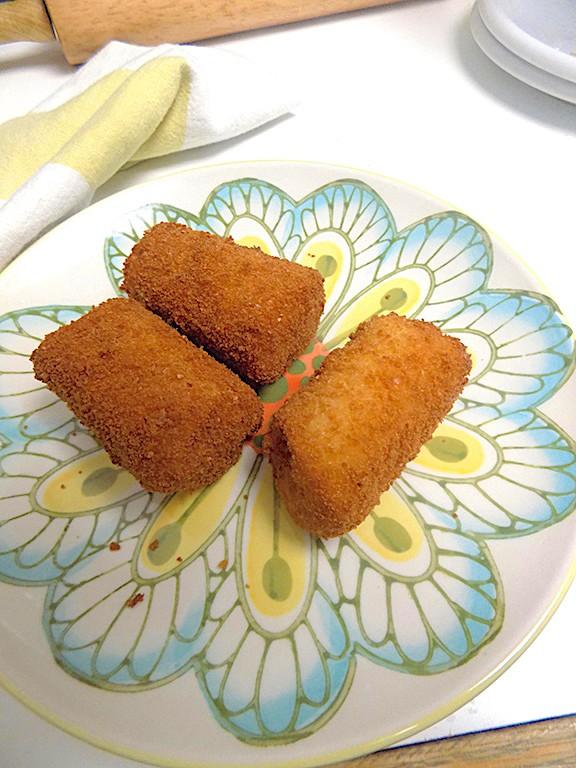 Fried Soft White Bread Rolls
