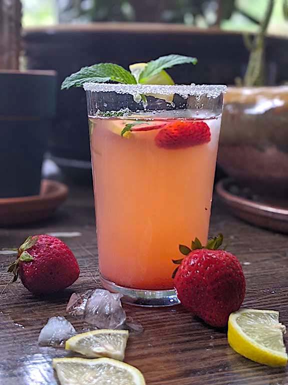 Non-alcoholic Strawberry Lemonade