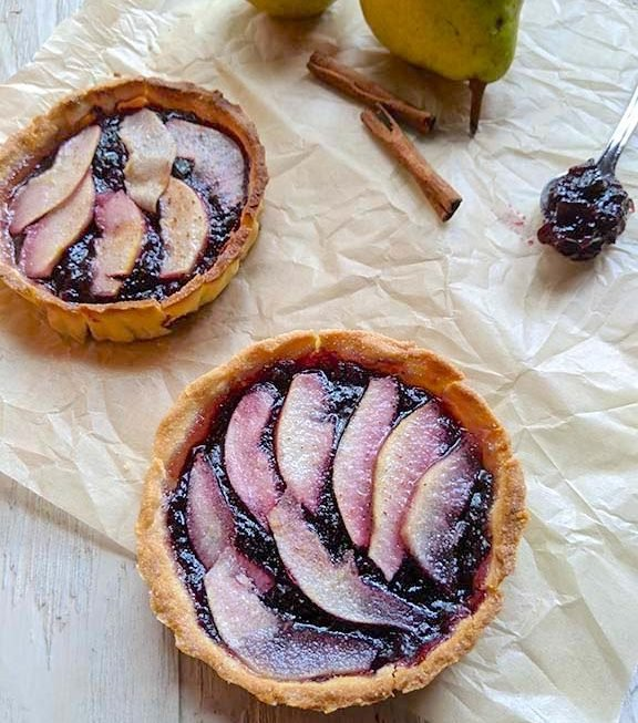 Mini Pear Tart with Blueberry Jam
