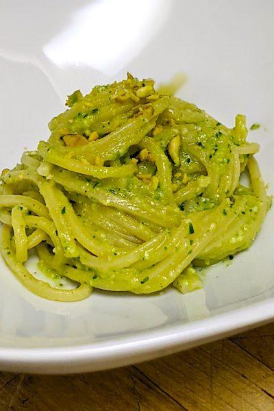 Pasta with Zucchini Pesto: delicious and easy to make