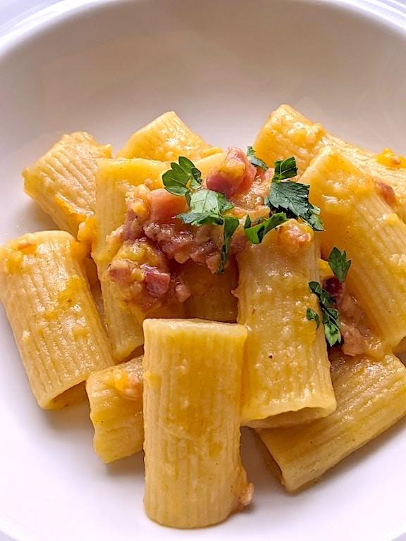 Pasta with Yellow Datterino Tomatoes and Pancetta (Pasta con datterini gialli e pancetta)